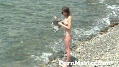 View Full Screen: real life nudists sunbathe at the nude beaches.jpg