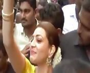South Indian actress Samantha has her boobs fondled from indian actress old renu