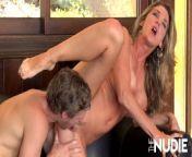 Sexy MILF Kayla Gets Fucked By Neighbor from simranxxxphotos